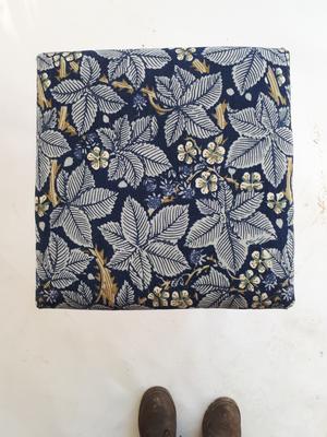Blå blad pall